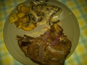 Lime-marinated T-bone steak with potatoes and mushrooms