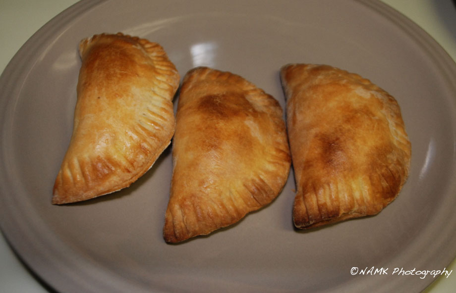 Red peanut chicken empanadas (or what should have been ...