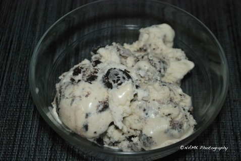 bowl of oreo ice cream